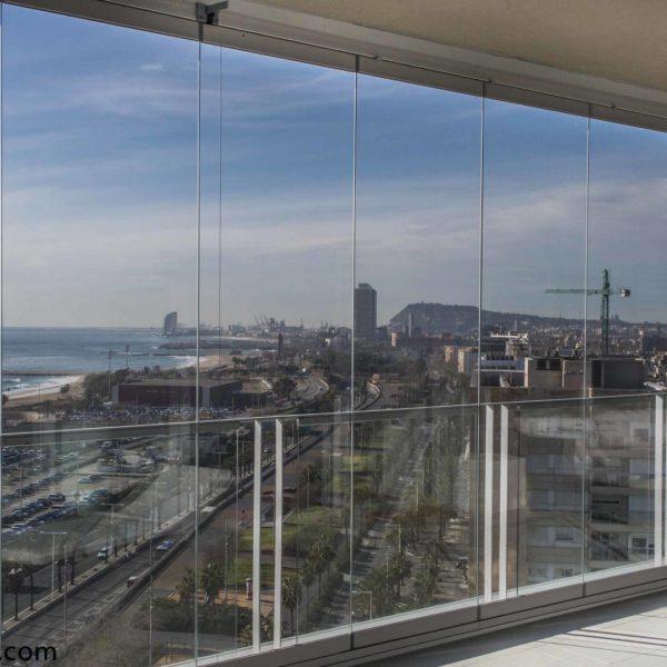 cristales para balcon vistas mar barcelona