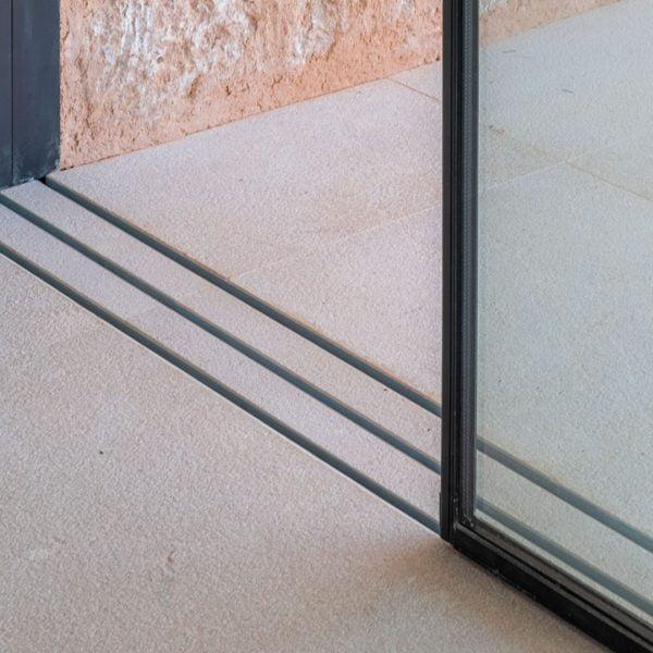 ventana corredera minimalista